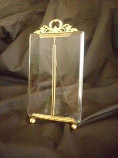 Très ancien cadre photo Napoléon III, en bronze et verre biseauté