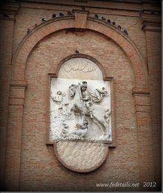 La Basilica di San Giorgio fuori le mura ( dettaglio facciata ), Ferrara, Emilia Romagna, Italia - The St. George's Basilica Outside the Walls ( facade detail ), Ferrara, Emilia Romagna, Italy - Property and Copyrights of www.fedetails.net