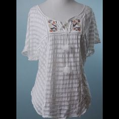 FREE PEOPLE White Orange Embroidery Top Size S FREE PEOPLE White Orange Embroidered Top Size Small Free People Tops Blouses