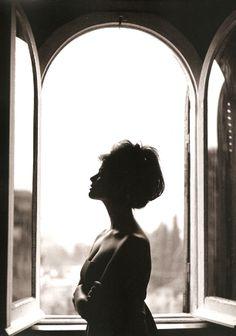 Claudia Cardinale (tazio secchiaroli)  Black and white portraits are photo styles that I absolutely adore!