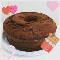 Bolo de chocolate para começar o dia bem! 😊🎂☕👵❤#bolodavovó #bolo #teatime #cake #instacake #instafood #grandmacake #instapastry #pastry #pastrylover #pastrylife #chá #tea #foodlover #love #happiness #amor #felicidade #sobremesa #bolodechocolate #chocolate