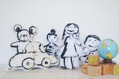 Bonequinhos de pano desenhados à mão – DIY