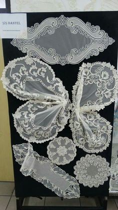 White Embroidery, Lace Patterns, Cutwork, Diy Crafts, Table Decorations, Handmade, Design, Tejidos, Flowers