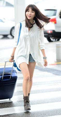 Park Ha-Sun 박하선 공항패션