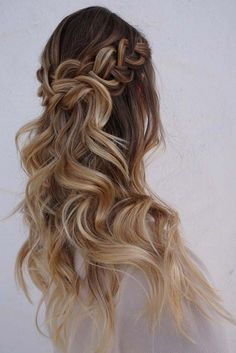 Swell 26 Stunning Half Up Half Down Hairstyles Braid Half Up Dutch Hairstyle Inspiration Daily Dogsangcom