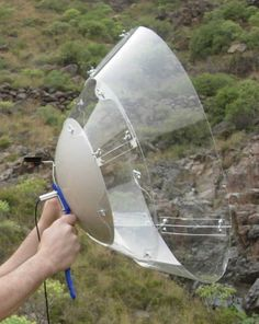 A collapsible and easy to build dish microphone