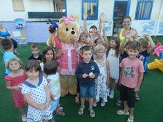 Chi vuole fare una foto con Milù, la simpaticissima mascotte del Blu Suite e compagna di giochi delle vacanze dei bimbi?