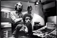 <strong>BEHIND THE MUSIC</strong> | Jimi Hendrix with engineer Eddie Kramer (left) and studio manager Jim Marron in 1970.
