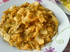Egyszerű paprikás krumplis tészta Recept képpel - Mindmegette.hu - Receptek Hungarian Recipes, Cheap Meals, Apple Pie, Naan, Macaroni And Cheese, Food And Drink, Pasta, Sweets, Lunch