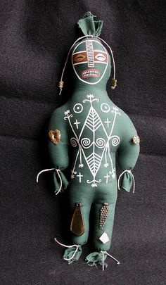 Hoodoo Magick Rootwork: Ayizan Art Doll, Hand Sewn and Hand Painted, with Herbs for Healing. Creepy Toys, Weird Toys, Voodoo Hoodoo, Voodoo Spells, Wiccan, Witchcraft, Magic Day, Marie Laveau, Religion