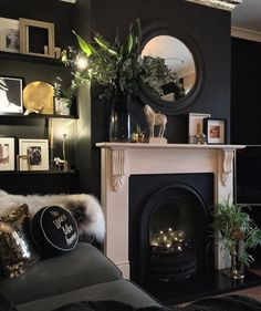 Dark living paint ideas will certainly bring you the most effective brilliant minutes. They can be fine-tuned, trendy and also very unwinding if you draw them off right. Today we are mosting likely to take a look at the coolest dark living room. Dark Living Rooms, Home Living Room, Living Room Designs, Black Living Room Paint, Living Room Decor Black Sofa, Living Room Decor Ideas With Fireplace, Bedroom With Fireplace, Cosy Cottage Living Room, Black Room Decor