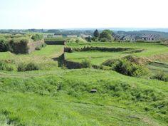 Vue sur quelques fortifications à Rocroi.  © Le Domaine du Lac à Rocroi #Ardennes #France