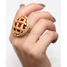 Tarte Cerises Biscuit, Class Ring, Polymer Clay, Gold Rings, Creations, Diy, Pasta, Modeling, Things To Make