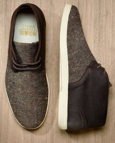 Not often you will see something by Vans on here but you've got to be impressed with this Vans OTW Howell midtop boot, with either a brown knit wool or a black tweed finish