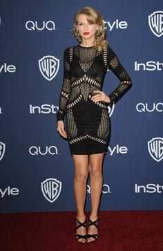 Pin for Later: Die 35 heißesten Outfits von 2014 Taylor Swift in Julien Macdonald