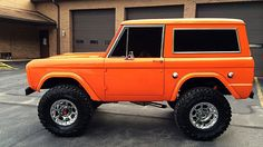 According to mecum, this is a '77 Ford Bronco. I like it. However, this is either not a 77, or not original. There would be gas doors instead of screw on caps. Also, it is missing the side marker lights indicating an earlier model.