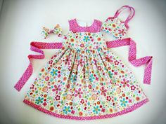 Toddler / Girls Floral Cotton Party Dress with matching Hair Bow and the Perfect Purse!  Size 4-5 One of a Kind