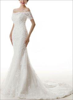 Mermaid Brautkleid aus feiner Spitze und Tüll. Carmen Ausschnitt, 3/4 Ärmeln.