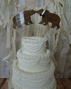 Kissing bears wedding topper. So cute for a #Baylor wedding!