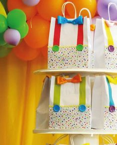Party favor bags for a circus birthday party Clown Party, Circus Carnival Party, Circus Theme Party, Carnival Birthday Parties, Carnival Themes, Circus Birthday, First Birthday Parties, Boy Birthday, Party Themes