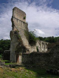 L'Abbaye de Mortemer, Lisors