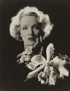Marlene Dietrich - 1932 - Photo by Sir Cecil Beaton