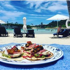 Not much goes better with an order of @princessbermuda Wahoo fish tacos than a generous side order of paradise!!  Happy #tacothursday!!! This ultra relaxing and delicious  by @3girls1plate #Bermuda #bermudafood #bermudaeats #wearebermuda #gotobermuda #dinersofbermuda #sharemybermuda #lovemybermuda #wahoo #fishtacos #eeeeeats in #paradise