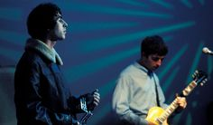 オアシスの代表作となった2ndアルバム『モーニング・グローリー』が、2020年10月2日でリリース25周年を迎える。この記事では、同作に収録された「ワンダーウォール」をフィーチャー。ギャラガー兄弟を含む関係者の証言を交えながら、このバラード