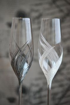Wedding champagne glasses Champagne flutes hand от PolinikaGlass