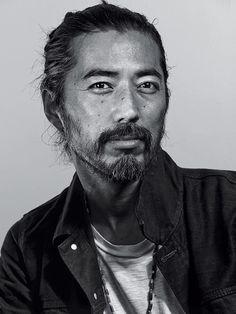 / visage / personnage / photoportrait / bonjour / homme / olokosmon / barbe / regard