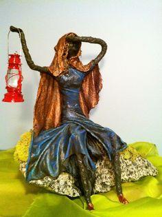 paverpol que es Pottery Sculpture, Sculpture Art, Sculpture Ideas, Framed Burlap, Doll Maker, Paper Clay, Mixed Media Artists, Textiles, Hobbies And Crafts