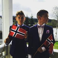 They look so adorable and perfect M&M Marcus Y Martinus, Turkey Fan, I Go Crazy, M Photos, Keep Calm And Love, Handsome Boys, Mannequin, Cute Boys, Famous People