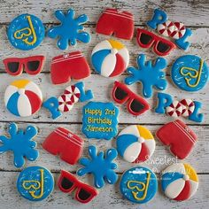 is ready for summer and the pool with these cookies! Nancy used a lot of our cutters to create this pool theme. Beach Ball Party, Pool Party Kids, Summer Pool Party, Summer Birthday, 1st Birthday Parties, Beach Ball Cupcakes, Beach Ball Birthday, Summer Picnic, Birthday Ideas