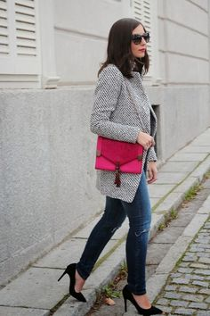 From Paris to London — (via ALL THAT SHE WANTS - blog de moda: Bolso...