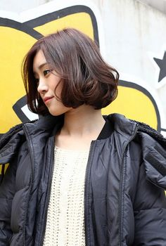awesome Korean Bob Hairstyles for Women. Soft Curls Short Hair, How To Curl Short Hair, Short Curly Hair, Short Perm, Shot Hair Styles, Hair Styles 2014, Medium Hair Styles, Long Hair Styles, Girly Hairstyles