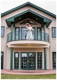 Lionscrest Manor Wedding Photographer. Colorado wedding photographer. bride and groom photos. Wedding poses. #melissasuephotos