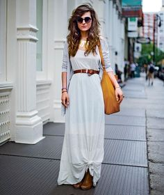 """Being short(er), I often have the """"Too long"""" maxi dress issue- This little knot is a cute way to make it work"""