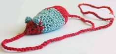 Crochet Stuff Toys Creating with Yarn Scraps: Crochet Cat Toy Pattern by Kristin Roach on Craftzine Crochet Cat Toys, Crochet Pouch, Crochet Amigurumi Free Patterns, Crochet Stitches Patterns, Crochet Animals, Love Crochet, Learn To Crochet, Knit Crochet, Crochet Hoodie