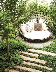 120 stunning romantic backyard garden ideas on a budge (56) #BackyardGardening
