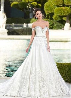 Buy discount Fabulous Tulle Off-the-Shoulder Neckline A-line Wedding Dresses with Lace Appliques at Dressilyme.com