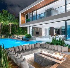 I The Best Interior & Exterior Design Experiences For YOU. Dream House Interior, Luxury Homes Dream Houses, Dream Home Design, Modern House Design, Modern Mansion Interior, Modern Architecture House, Modern Houses, Villa Design, House Goals