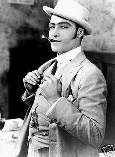 RUDOLPH VALENTINO MOVIE CIGAR PHOTO - Hollywood 1920's Silent Movie Star Actor