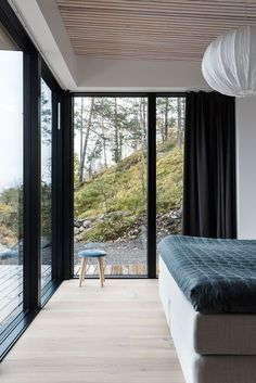20 Concrete Floors for Your House to Look Simple Nordic Home, Scandinavian Home, World Of Interiors, Cabin Interiors, Interior Windows, Interior And Exterior, Interior Styling, Interior Design, Tiny House Cabin