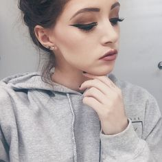Find images and videos about pink, beauty and makeup on We Heart It - the app to get lost in what you love. Makeup Goals, Beauty Makeup, Hair Makeup, Chrissy Constanza, How To Do Makeup, Model Look, Pretty Eyes, Eye Make Up, Makeup Inspiration
