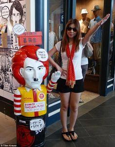 'Nazi chic': A shocking new trend has seen Bangkok flooded with cartoonish images of Hitler - including a popular design in which the dictator is merged with red-haired McDonalds mascot Ronald McDonald Bangkok, World Of Asians, Good News Stories, Unbelievable Facts, Amazing Facts, Interesting Facts, I Kid You Not, Look Alike, Fried Chicken