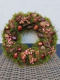Elf Christmas Decorations, Thanksgiving Wreaths, Autumn Wreaths, Easter Wreaths, Holiday Wreaths, Diy Spring Wreath, Diy Wreath, Spring Crafts, Deco Floral