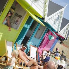 another of our pics from 2015 summer ... enjoying planning the year ahead and looking forward to seeing so many more pics #walton #waltononthenaze #seaside #beachhut #beachhuthire #seaside #seasidetown #beach #beachhuts #milliesbeachhuts #deckchairs #summer #essexdaysout #essexdayout #familydayout #dogfriendly