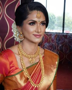 South Indian Bridal - New Site South Indian Makeup, South Indian Bridal Jewellery, Indian Bridal Makeup, Bridal Makeup Looks, Bride Makeup, Wedding Makeup, South Indian Wedding Hairstyles, South Indian Weddings, Indian Hairstyles