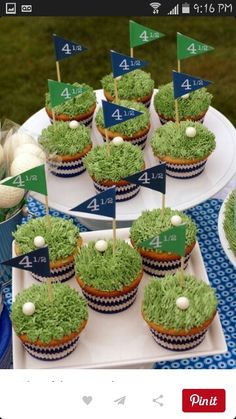Cup cakes golf