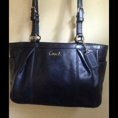I just discovered this while shopping on Poshmark: Coach Bag. Check it out!  Size: OS